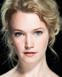 Madeleine Leslay as Mary, Queen of Scots